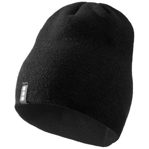 Level beanie in black-solid