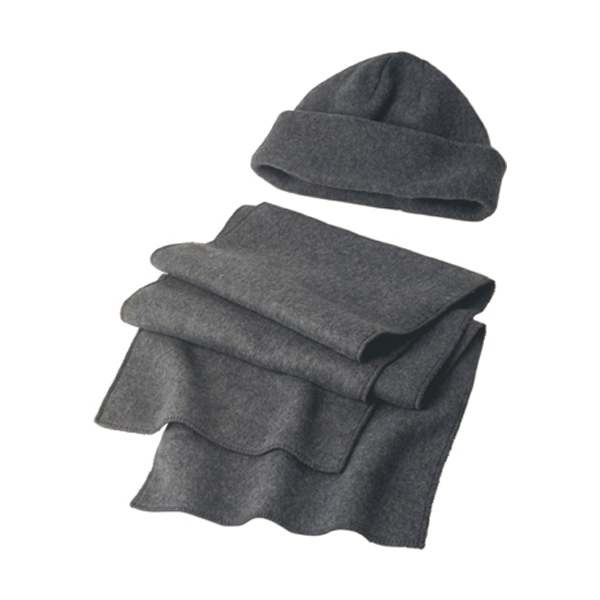 Fleece cap and scarf. in grey