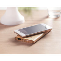Wireless, power bank in bamboo