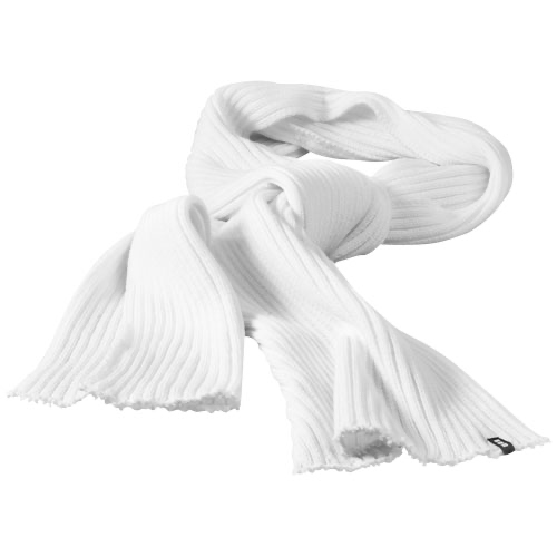 Broach scarf in white-solid
