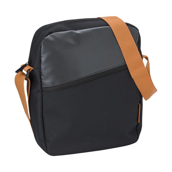Shoulder bag in a polyester 600D /PVC material.
