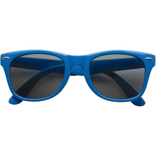 Classic fashion sunglasses in blue