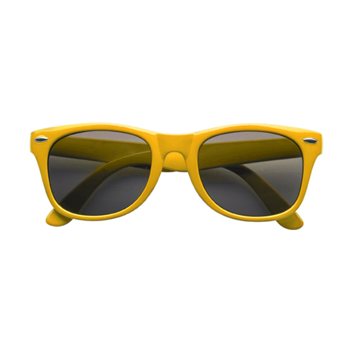 Classic fashion sunglasses in yellow