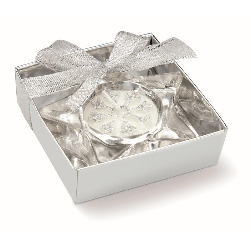 Star shaped candle holder in matt-silver