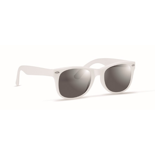 Sunglasses with UV protection in white