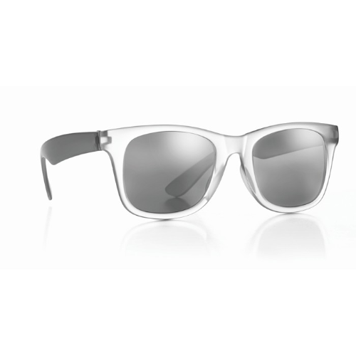 Sunglasses with mirrored lense